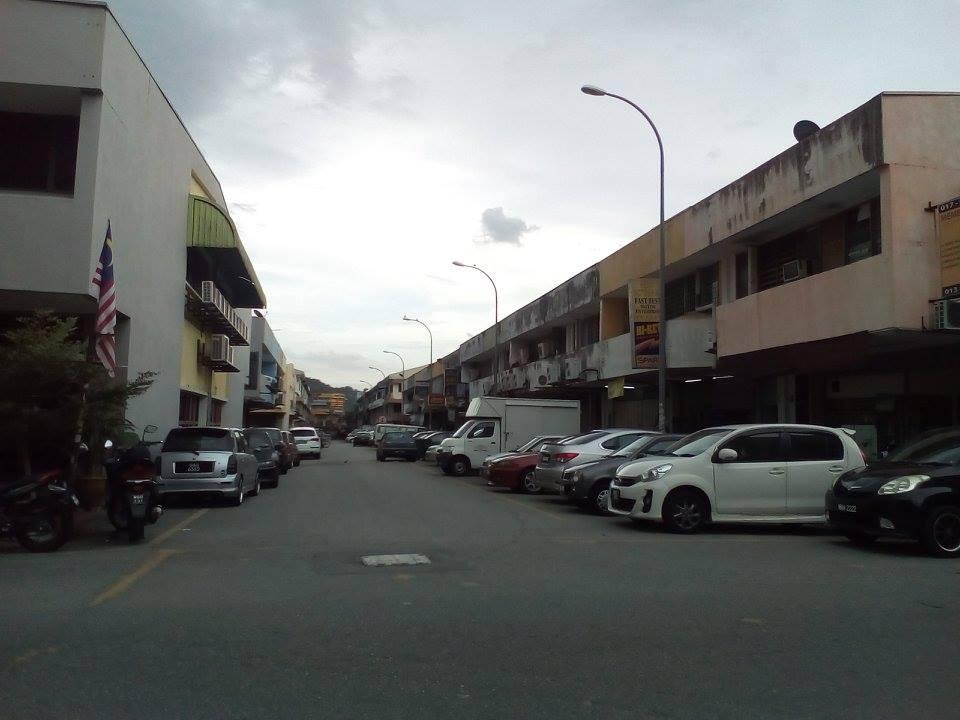 3 Storey Shop Lot, Taman Melawati