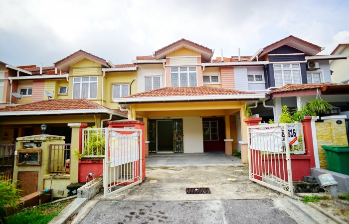 2Sty Terrace Taman Seri Putra Bangi