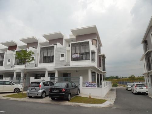 [Fully Furnished] 3 storey terrace End Lot Emerald Alam Impian Kota Kemuning