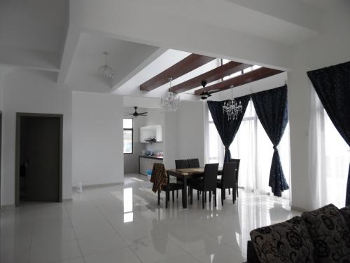 3 storey terrace End Lot Emerald Alam Impian Kota Kemuning