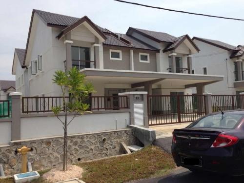 Double Storey Semi-D Bandar Puncak Alam Shah Alam for sale