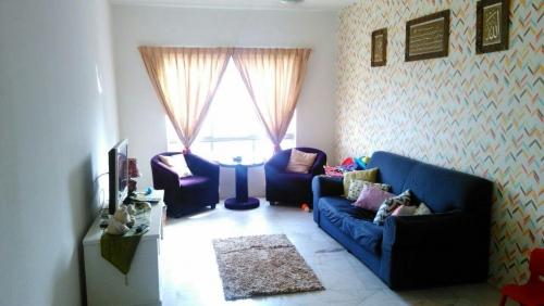 RUMAH UNTUK DIJUAL FOR SALE Residensi Warnasari Puncak Alam Fasa 3 Apartment Lili