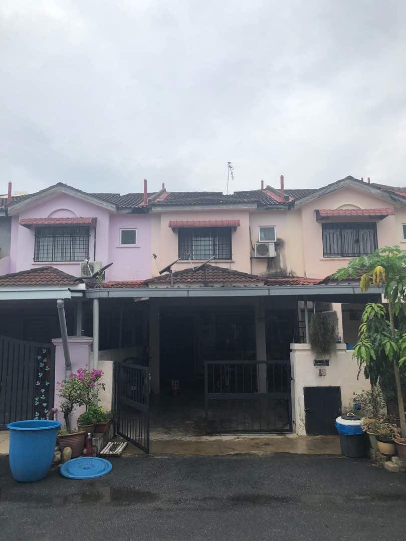 Teres 2 tingkat di Green Valley Park, Bandar Tasik Puteri, Rawang