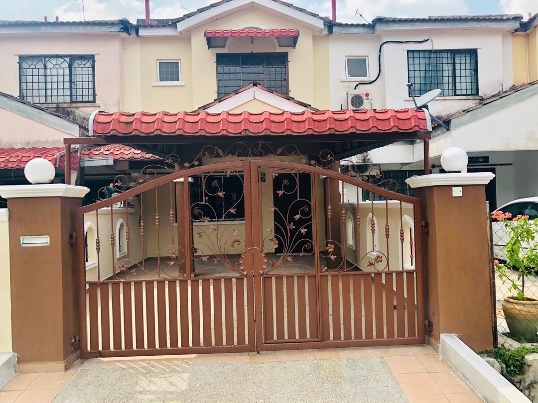 Unit Teres 2 tingkat di Green Valley Park, Bandar Tasik Puteri, Rawang untuk dijual.