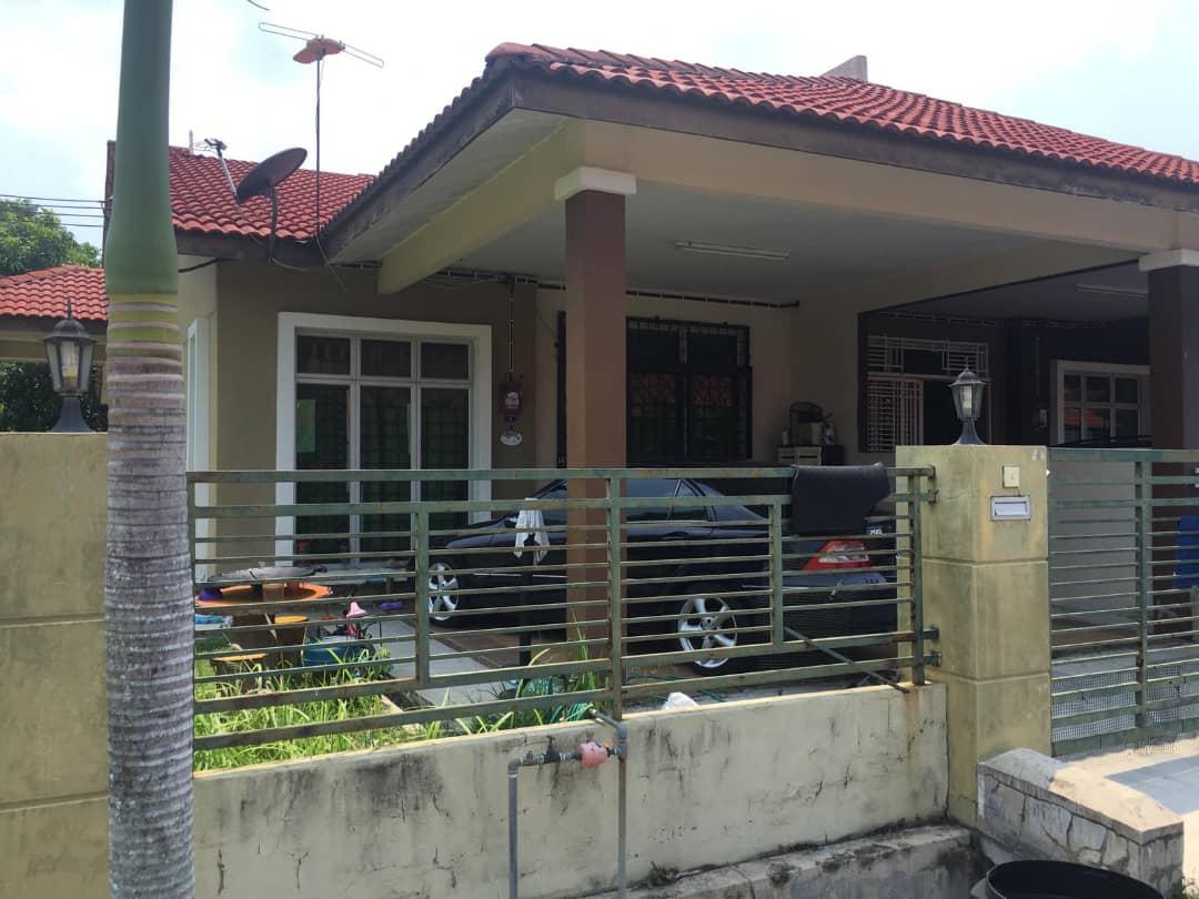 (CORNER LOT) Teres Setingkat Taman Paya Rumput Indah, Melaka