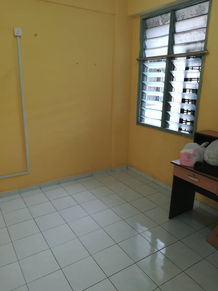 Medium cost apartment. Pangsapuri Sri Batu for sale