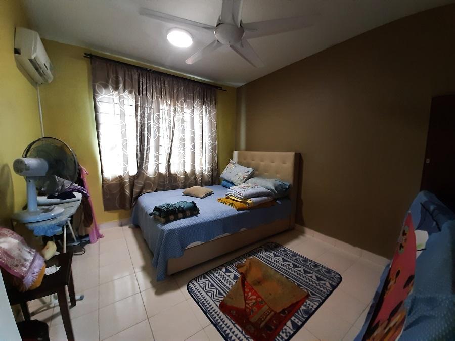Latan Biru Apartment Kota Damansara Petaling Jaya (ENDLOT , BALKONI , FACING GREEN)