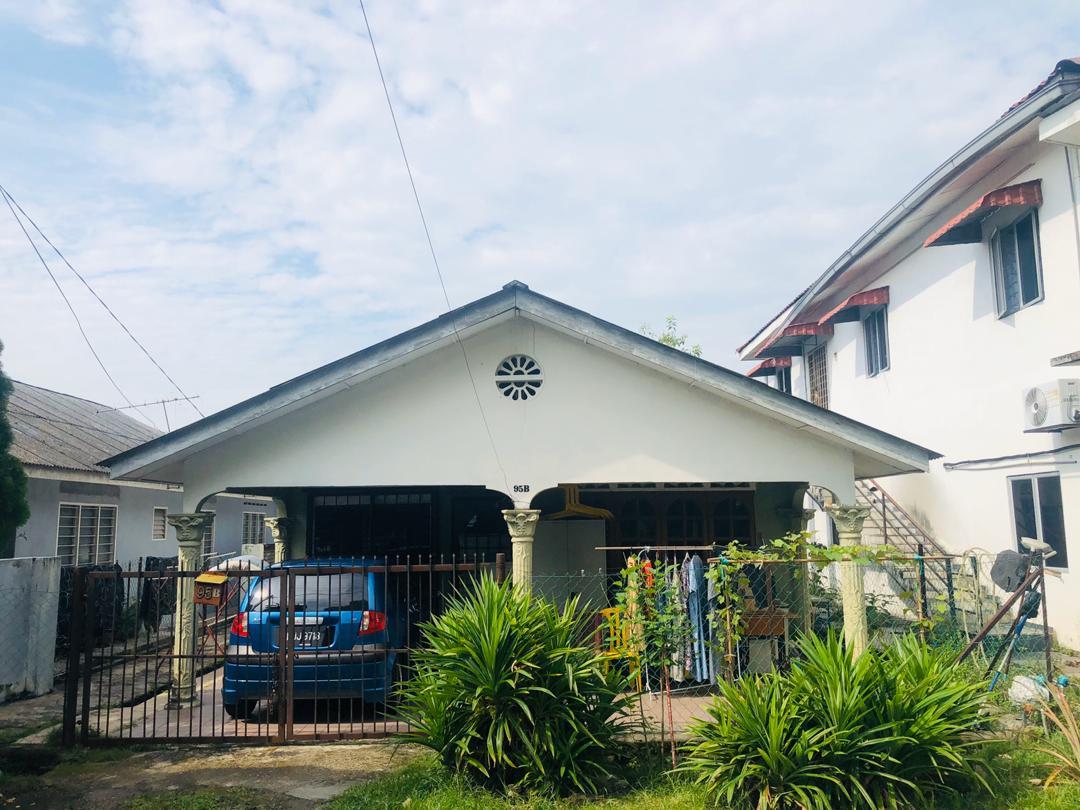 [LOT BANGLO MURAH] Rumah Lot di Kampung Sri Indah, Sungai Buloh untuk dijual.
