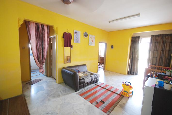 (906SQFT ) Nuri Apartment, Subang Bestari