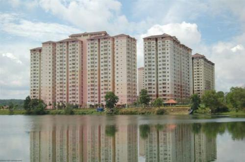 APARTMENT LAGUNA BIRU