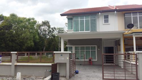Double Storey Corner Fasa 2 Bandar Puncak Alam