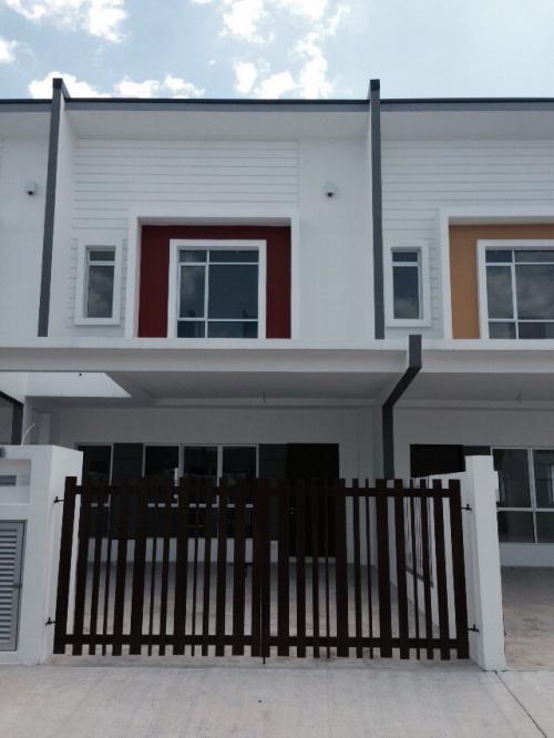 Brand New 2 Storey Intermediate House Angusta Setia Ecohill Semenyih